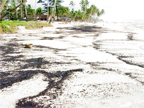 Dark streaks made of tarballs lying on a south Goa beach during the last week of July 2005. Source: NIO