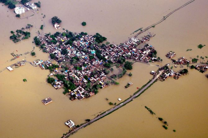 Nalanda: An aerial view of flood affected of Nalanda district of Bihar on Sunday. PTI Photo(PTI8_17_2014_000092B)